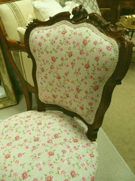sedia antica tessuto con rose