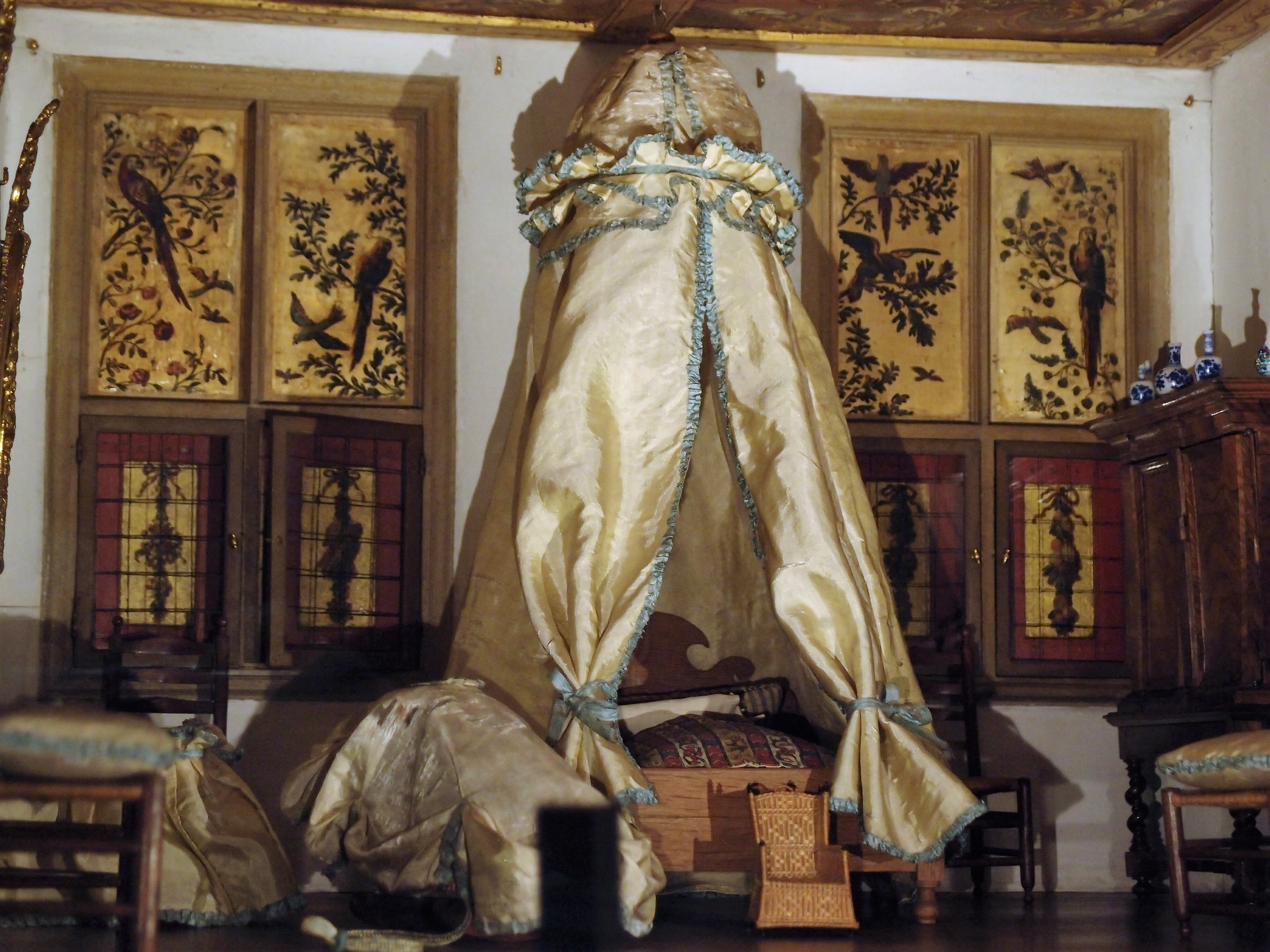 Super Piccola storia della casa delle bambole di Petronella - Antichità  YP26
