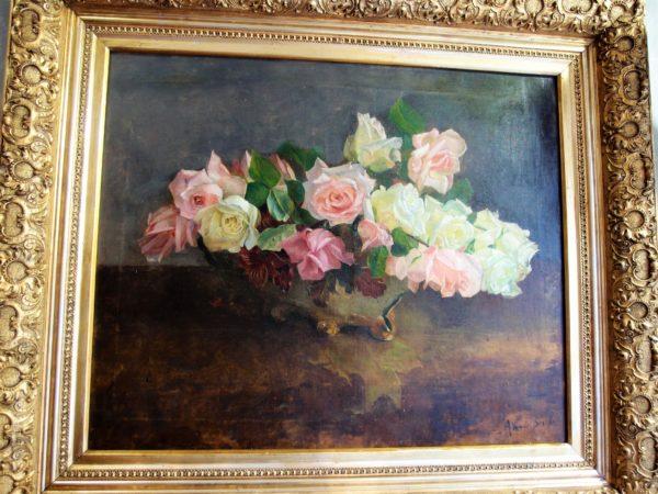 Dipinto su tela con cesto di rose,in prima tela con cornice coeva, epoca seconda metà del 1800, dimensioni 73 x 64 con cornice. Firmato Van den Bossche.