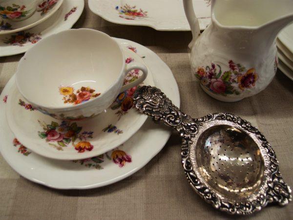 porcellane antiche inglesi vintage, porcellane con rose, servizio da tè
