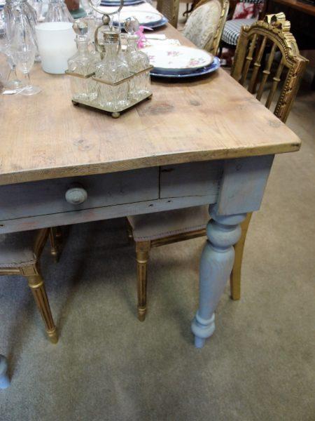 tavolo da pranzo antico