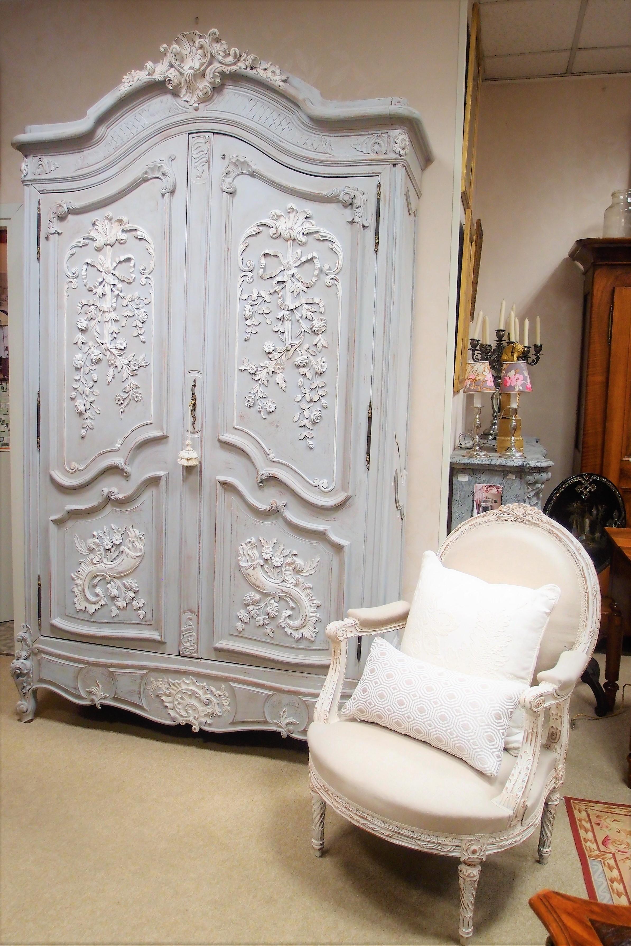 I mobili antichi francesi laccati e patinati cos for Casa piu il mobile