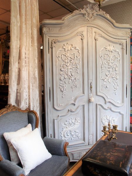 armadio antico francese in noce LACCATO SHABBY CHIC