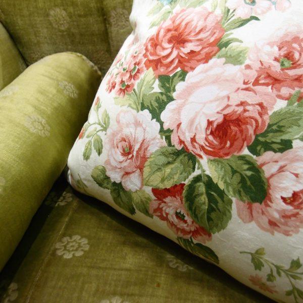 cuscini tessuto rose