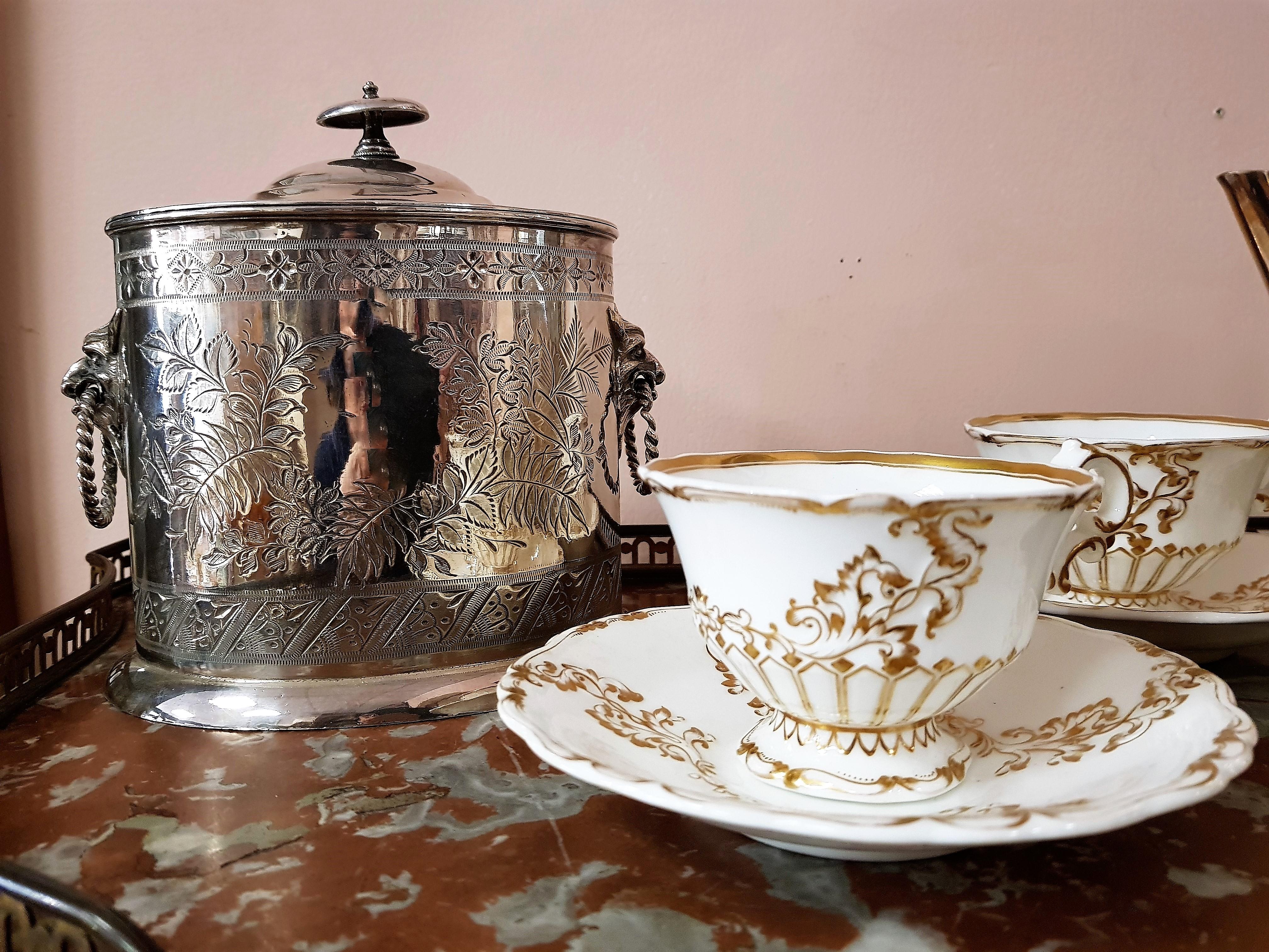 Complementi antichit bellini - Scomparti segreti in casa ...