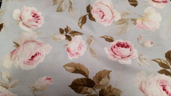 tessuto con rose plastificato
