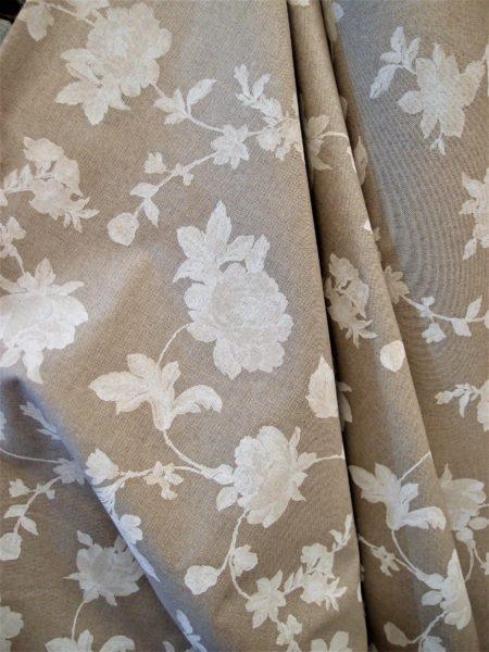 tessuto misto cotone con rose e peonie shabby