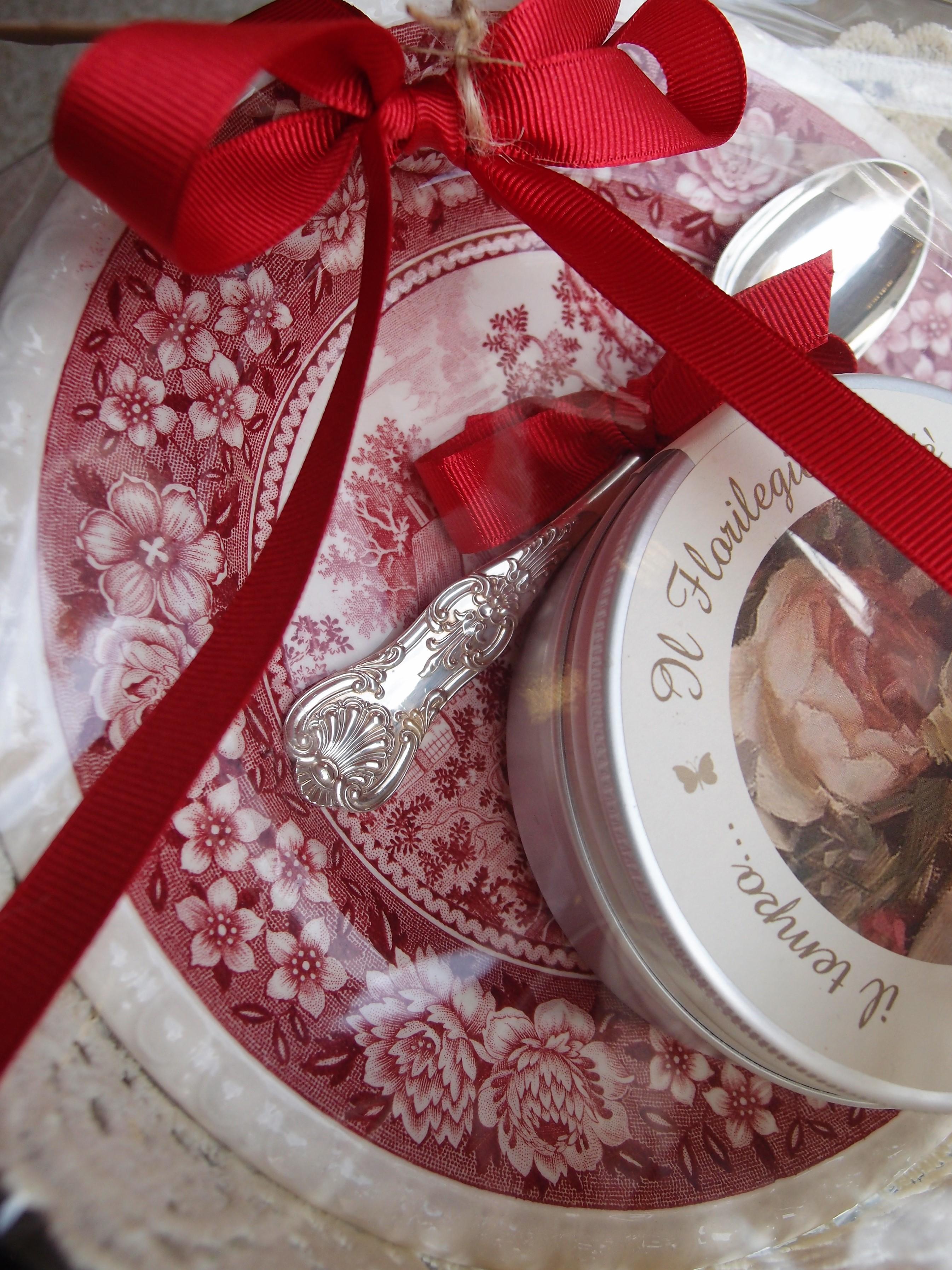 La stagione del cuore l 39 arrivo del natale antichit bellini for Oggetti usati in regalo