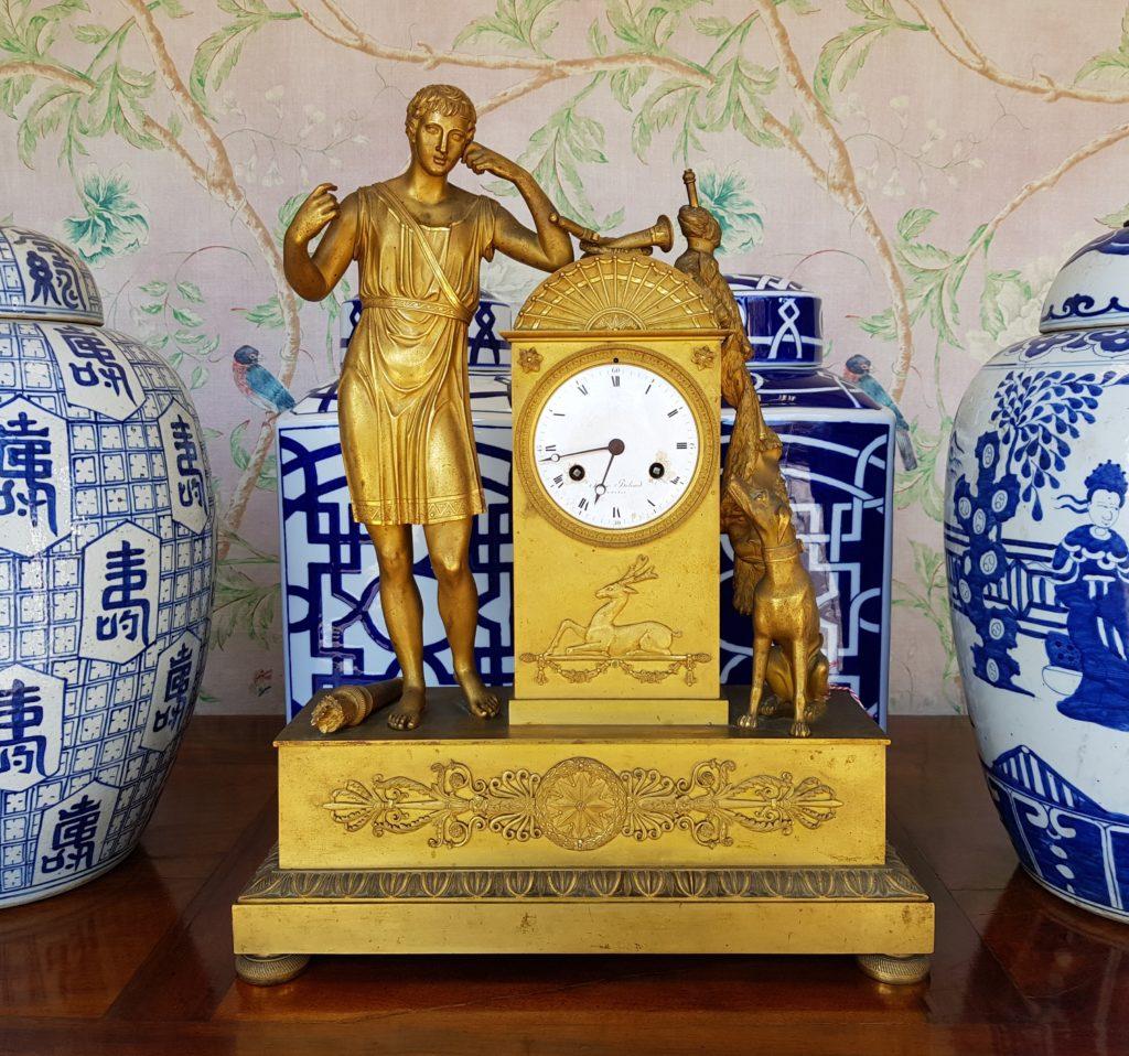 orologio da tavolo francese epoca impero in bronzo dorato, PENDOLA DORATA PRIMO OTTOCENTO